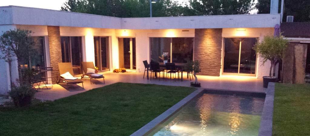 B&B avec jardin et piscine aux portes de Lyon
