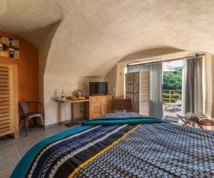 chambre terracotta-avec-vue-sur-la-vallee
